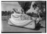 Lincoln School Peach Day parade float (1931)