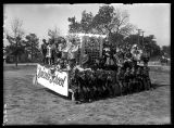 Lincoln School float;