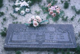 Martha and David Toyn graves (GCCS_CCE006_16)