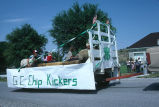 4-H club G.C. Chip Kickers 4th of July float features sheep (GCCS_CCE014_18)